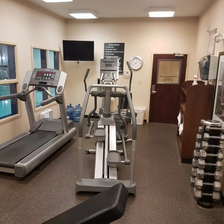 Weyburn, Canada: Gym i used treadmill