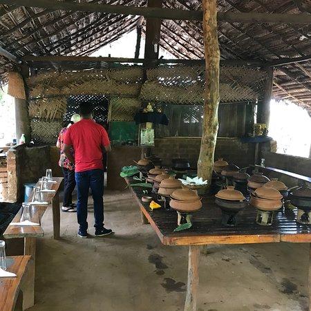 Review of Gemi Gedara Restaurant, Bandarawela, Sri Lanka
