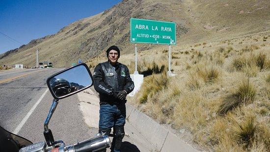 Puno Region, Peru: Abra La Raya . A 170km de Cusco a caminho de Puno no Peru. É o ponto mais alto desta estrada , a