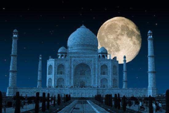 Pyrenees Homestay: beautiful view  Taj mahal..