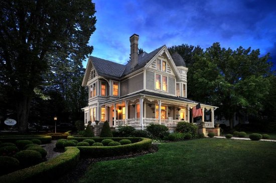 The Historic Morris Harvey House Bed and Breakfast : Exterior