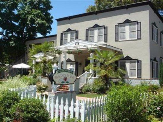 Magnolia Inn: Exterior