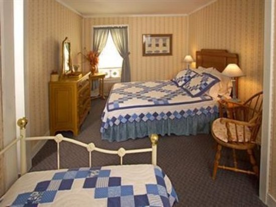 Plymouth, VT: Guest room