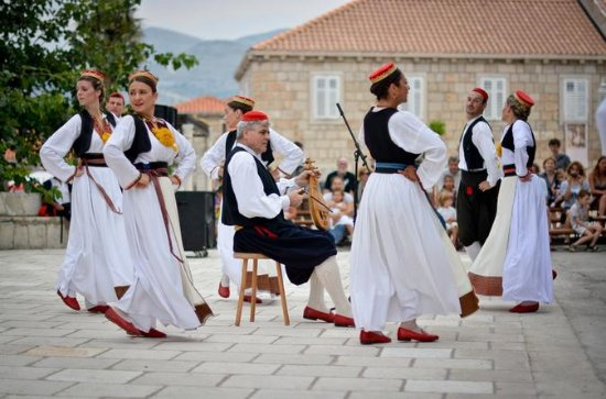 Cilipi Foldlore and Folk Dance Tour from Dubrovnik