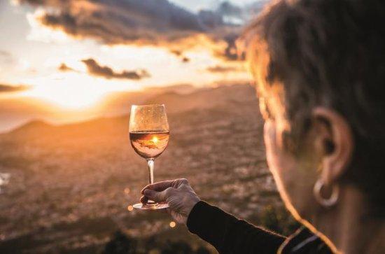Spaziergang mit Wein und Zucker