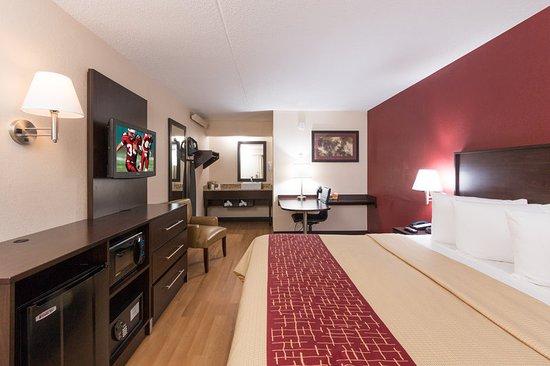 red roof plus san francisco airport 122 1 5 5. Black Bedroom Furniture Sets. Home Design Ideas