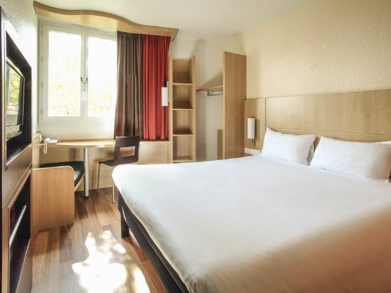 Ibis Chalons en Champagne: Guest room
