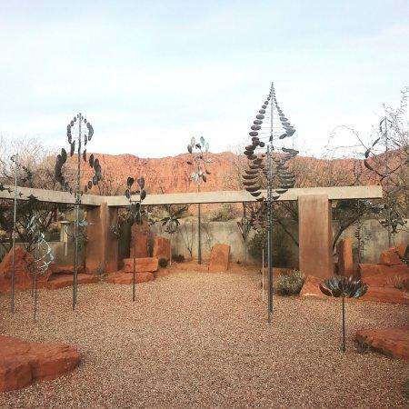 Coyote Gulch Art Village: photo0.jpg