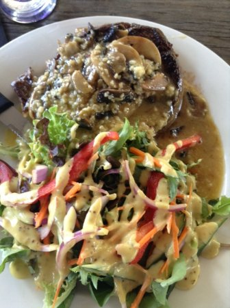 O'Connell, Австралия: steak  mushroom and garlic