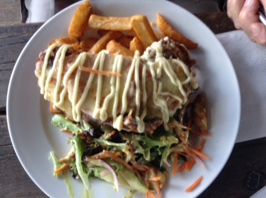O'Connell, Australien: chicken parma