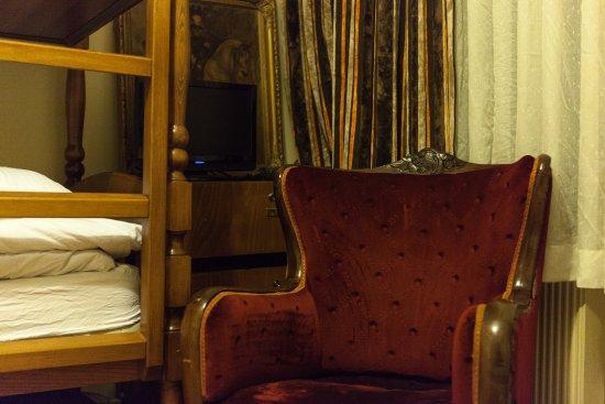 Chambers of the Boheme : Family room