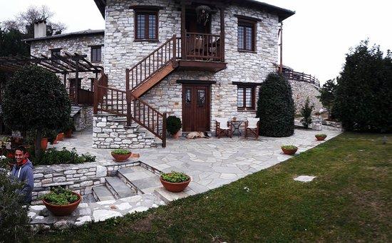 Adis Oneirou Hostel