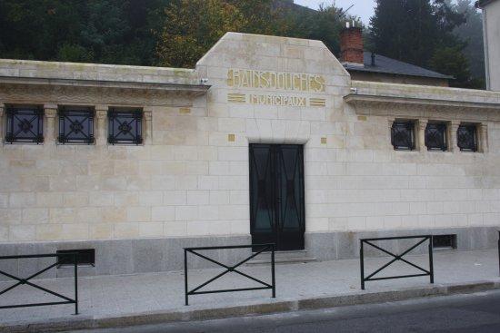 Laval, Francia: Façade des bains-douches