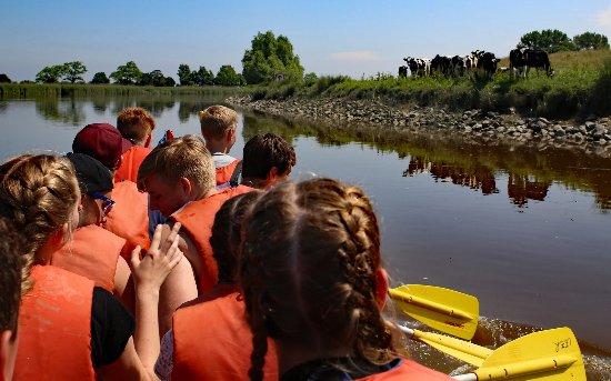 Leer, Tyskland: Schulklasse auf großer Fahrt