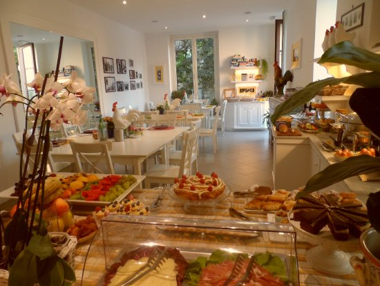 "Palazzo Jannuzzi Relais: Buffet Breakfast ""La Terrasse"""