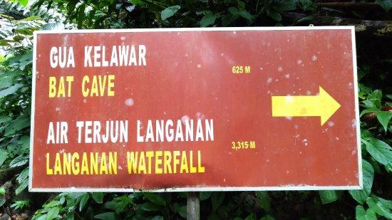 Poring, Malasia: 山徑指示牌