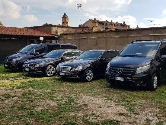 Caserta, Italien: parco auto