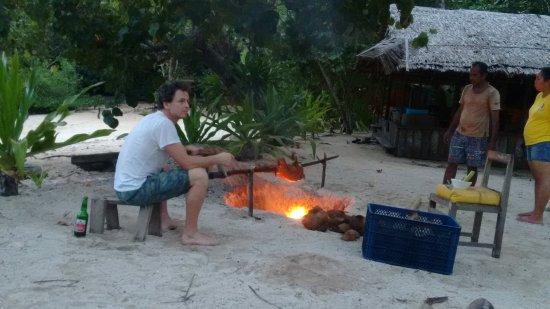 Pulau Bangka, Indonesia: Preparing Xmas dinner