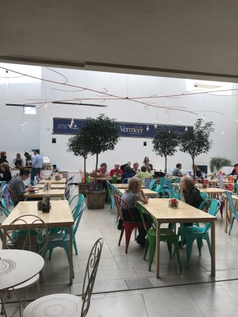 National Gallery of Ireland. eat in spot