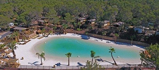 Notre Lagon-plage vue aérienne - Picture of Camping La Pierre Verte ...