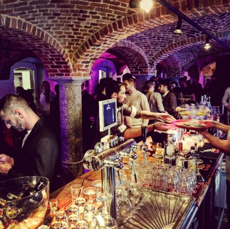 Montignies-Saint-Christophe, Belgique : Ambiance bar & soirée le vendredi et le samedi