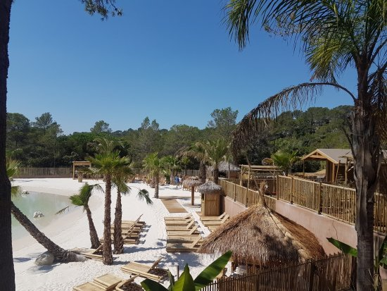 Notre lagon-plage - Picture of Camping La Pierre Verte, Frejus ...