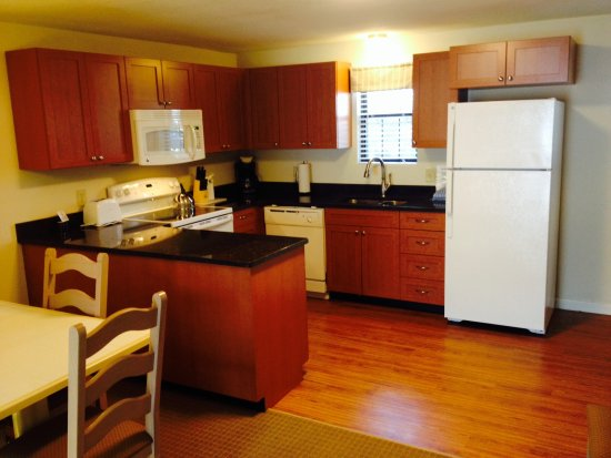 Sea Mist Resort: Newly renovated kitchen in Townhouse