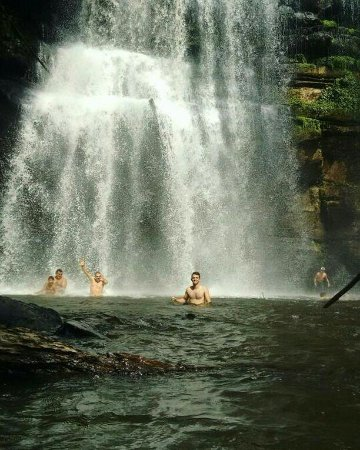 Ruropolis, PA: A Cachoeira do Grim fica na cidade de Rurópolis e é um ótimo lugar para estar com a família.