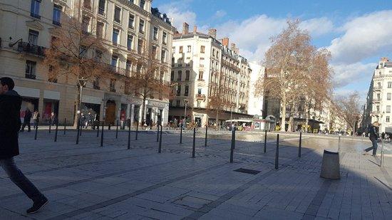Rue de la République : 20180119_122424_large.jpg