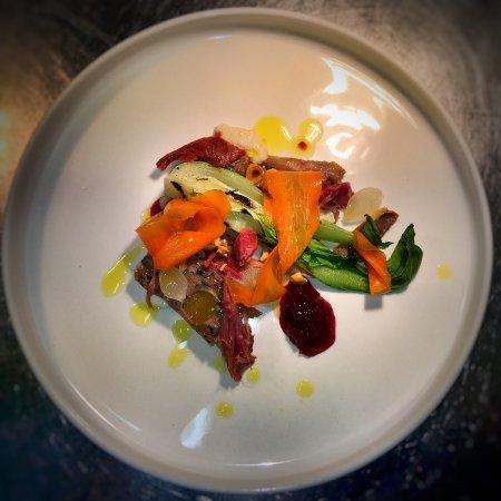 Timoleague, Irlanda: Duck Terrine, smoked Ham Hock, Horseradish, pickled Carrots