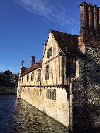 Ightham, UK: Side of the house, with moat