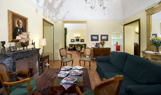 Chiaja Hotel de Charme, hoteles en Nápoles