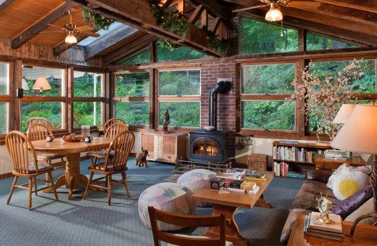 Warren, VT: The Sun Room, with exit onto the Garden Terrace
