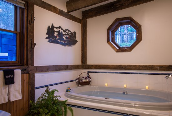 Warren, VT: Mountain Room Jacuzzi tub