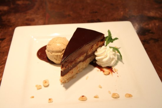 Zola Kitchen and Wine Bar: Chocolate Hazelnut Cake