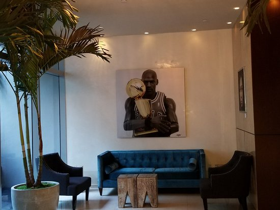 Boulan South Beach: Loved the eclectic artwork!