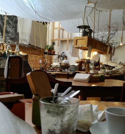 Restaurante Aquele Lugar que não Existe: interior