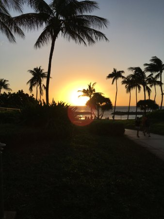 Beach Villas at Ko Olina: Sunset on lagoon #2