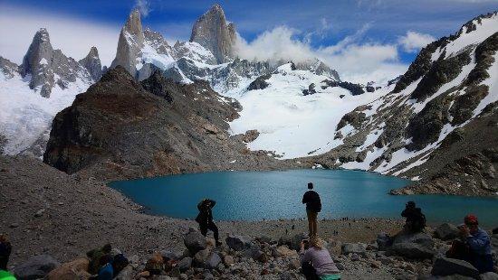 Los Glaciares National Park, Argentina: Laguna de los tres frente al Cerro Fitz Roy