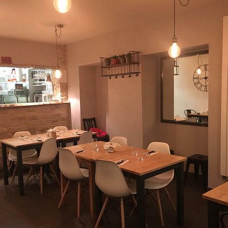 restaurant le robinson pizza dans evian les bains avec. Black Bedroom Furniture Sets. Home Design Ideas