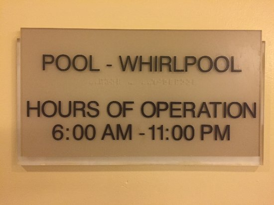 SpringHill Suites Williamsburg: Supposed to be open at 11, unless they decide to close at 10 for cleaning.