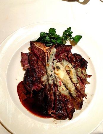 Dunwoody, Géorgie : Capital Grille Gorgonzola and Black Truffle Porterhouse Steak