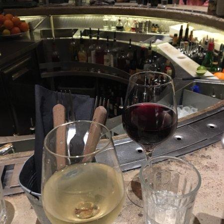 Gravity bar paris canal saint martin restaurant bewertungen telefonnummer fotos - Restaurant rue des vinaigriers ...