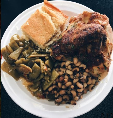 Decatur, Джорджия: Roast Chicken and Sides at Our Way
