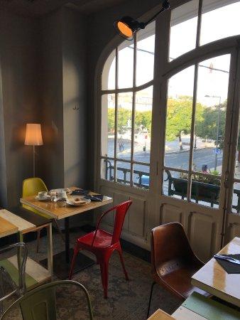 Internacional Design Hotel: Salle du petit déjeuner