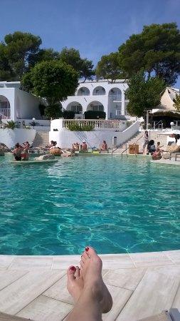 Vyhled Na Nas Pokoj Od Bazenu Bild Von Portinatx Beach Club Hotel