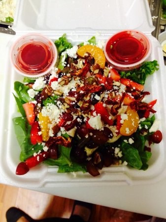 Lawrenceburg, TN: salads too!