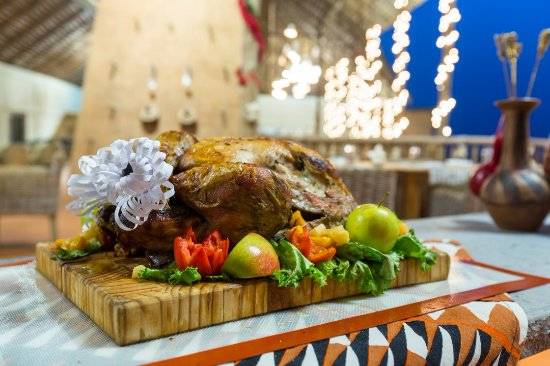 Mole National Park, Gana: Our holiday turkey carving