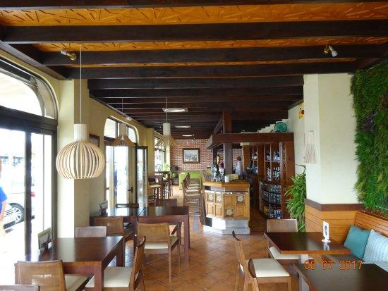 Hotel Tarik : Bar de l'hôtel