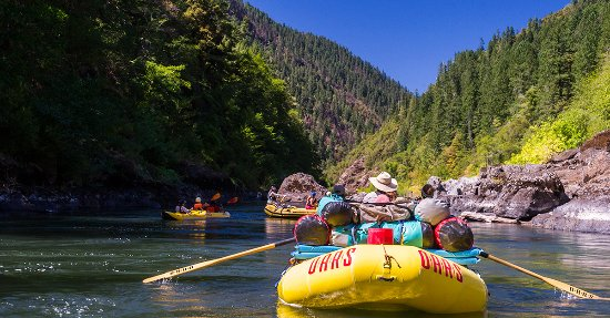 Merlin, Oregón: Exploring the beautiful Rogue River on an OARS rafting adventure